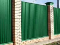Забор из профнастила — 120 фото и видео описание установки надежных и красивых вариантов заборов