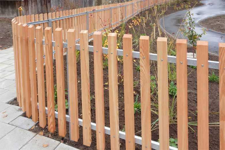 Как сделать деревянный забор самостоятельно